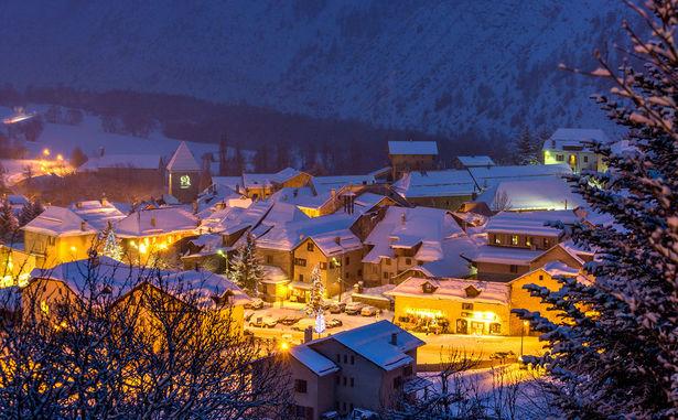 STATANMSM01040016 - valdallos-le-seignus---village-de-charme