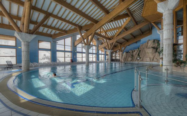 STATANMSM01730030 - Centre Sportif
