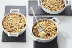 Recette : Crumble courgettes grillées, lardons et ravioles chèvre