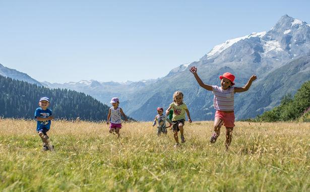 La Rosière au bonheur des enfants