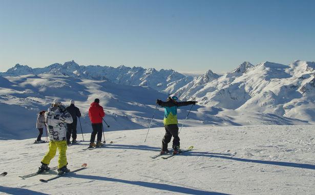 Skieur heureux - © Office de Tourisme de Saint-Sorlin-d'Arves